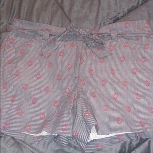 """Loft striped with pink detail 4"""" shorts ✨"""